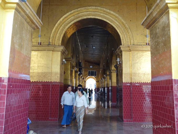 Wandering through the galleries of the temple