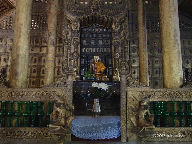 Buddha statue in Shwenandaw Monastery