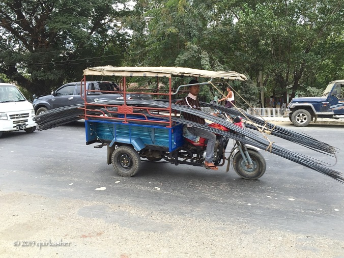 Transporting metal rods