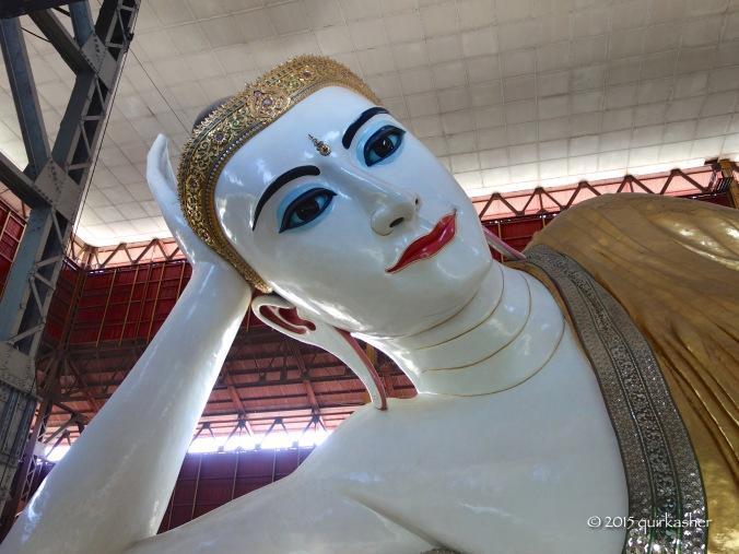 Giant reclining Buddha in Chaukhtatgyi Temple