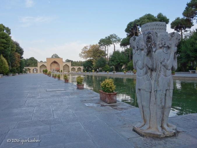 Chehel Sotoun garden