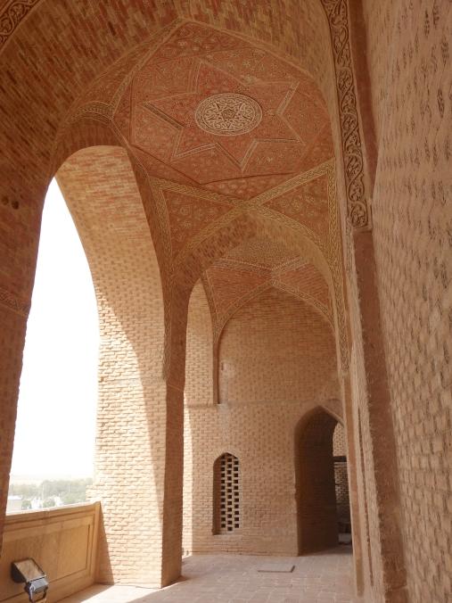 Strolling through Oljaytu's mausoleum