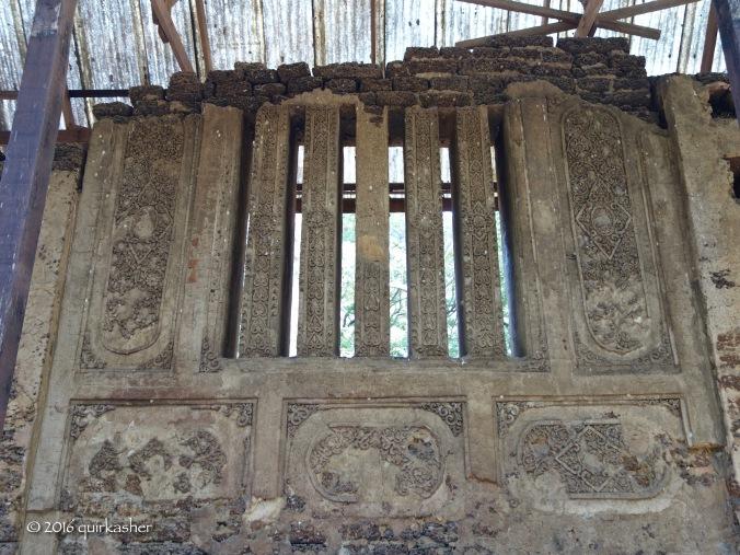Wat Nang Paya stucco relief