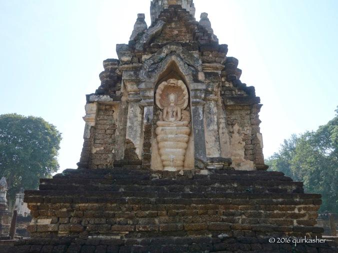 Niche on main stupa of Wat Chedi Chet Thaeo
