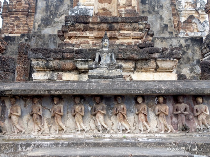 Details on one of the stupas of Wat Mahathat